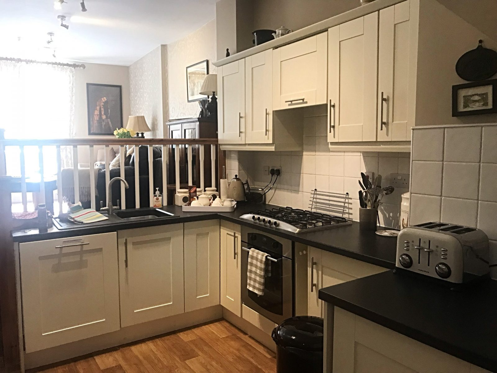 Visiting Ironbridge a 3 day itinerary Ironbridge view townhouse kitchen